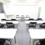定禅寺通り・勾当台公園【リスズビル3階302貸会議室】18名様用 白を基調とした落ち着いた会議室です!